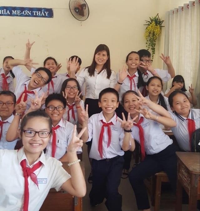 Cô hiệu phó mở lớp dạy kỹ năng sống miễn phí cho học sinh - 2