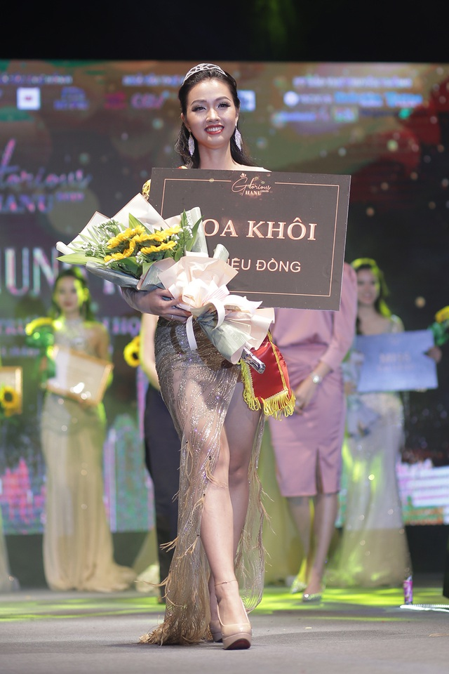 Nữ sinh năm thứ nhất đăng quang Hoa khôi ĐH Hà Nội 2019 - 7