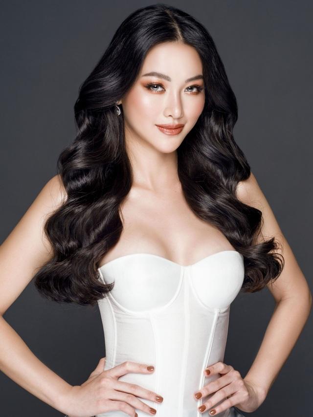 Phương Khánh đội vương miện tiền tỷ, khoe dáng bốc lửa trước thềm Miss Earth 2019 - 4