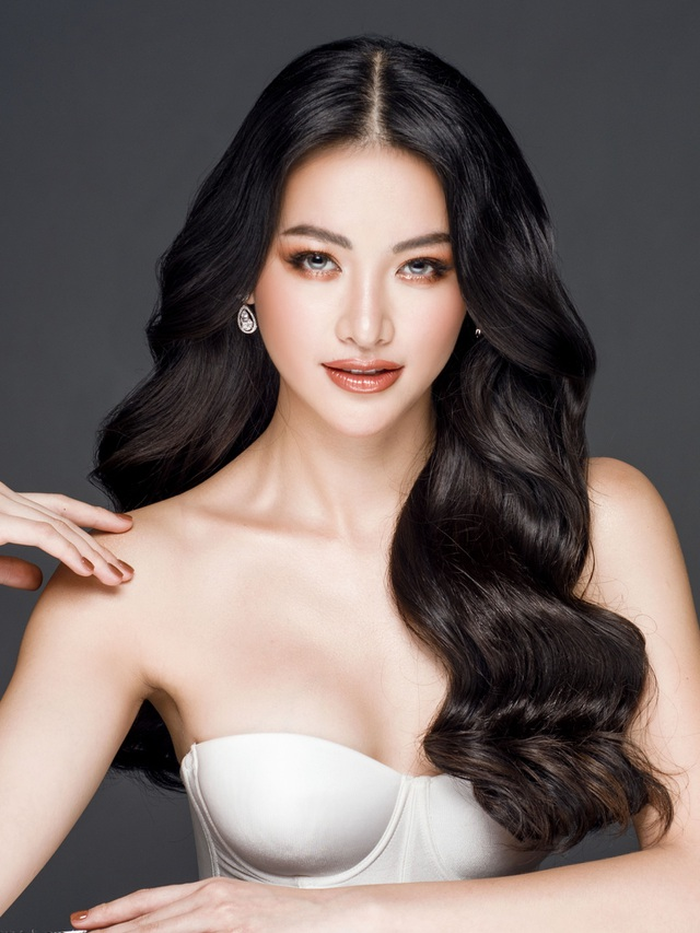 Phương Khánh đội vương miện tiền tỷ, khoe dáng bốc lửa trước thềm Miss Earth 2019 - 3