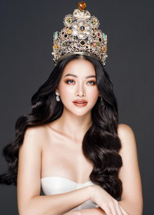 Phương Khánh đội vương miện tiền tỷ, khoe dáng bốc lửa trước thềm Miss Earth 2019 - 5