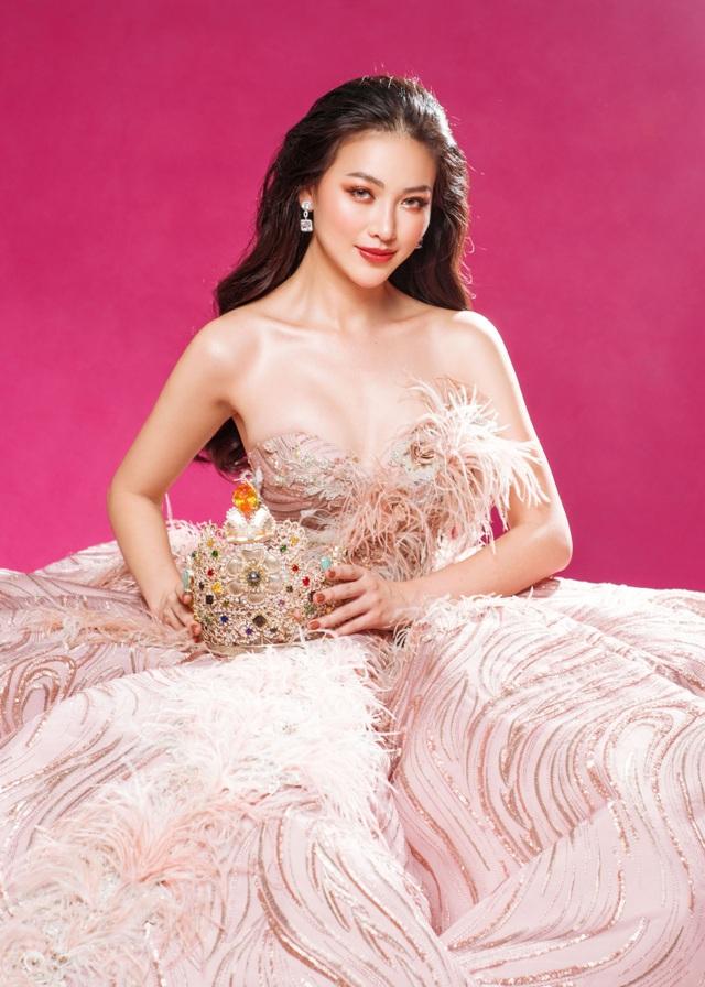 Phương Khánh đội vương miện tiền tỷ, khoe dáng bốc lửa trước thềm Miss Earth 2019 - 21
