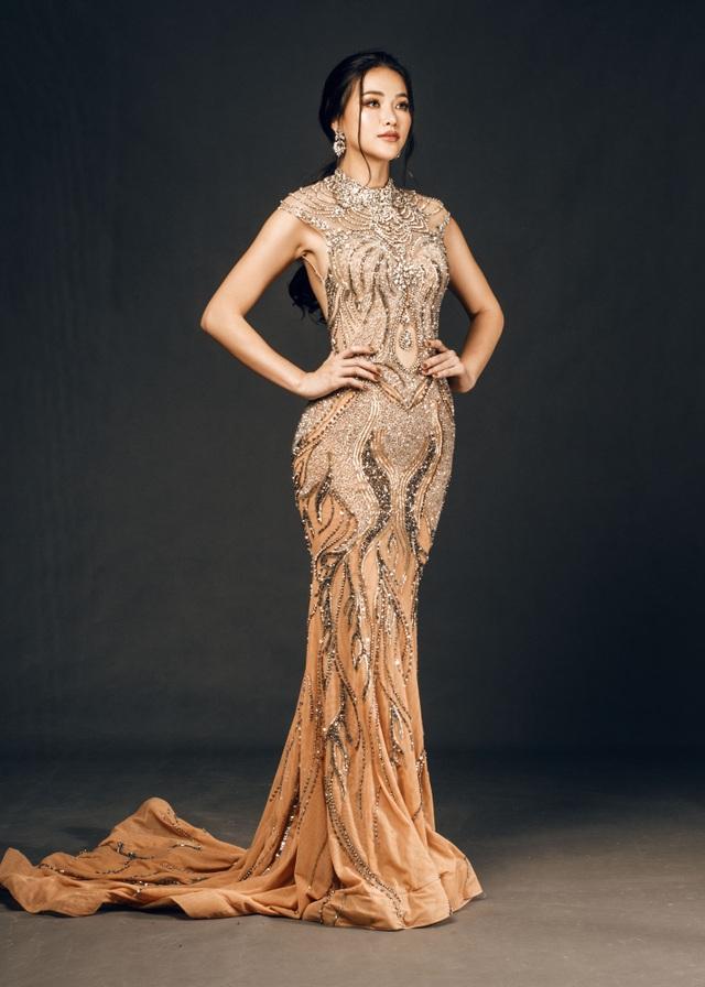 Phương Khánh đội vương miện tiền tỷ, khoe dáng bốc lửa trước thềm Miss Earth 2019 - 14