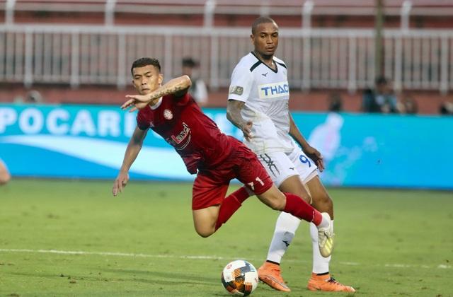 Tuấn Anh nén đau ra sân, HA Gia Lai chính thức trụ hạng tại V-League - 4