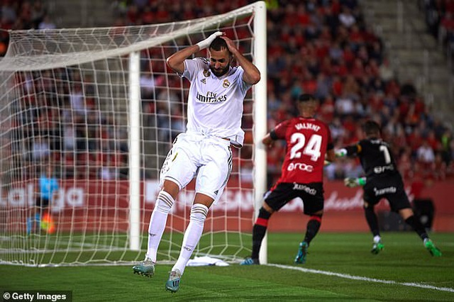 Thua Mallorca, Real Madrid mất ngôi đầu bảng vào tay Barcelona - 4