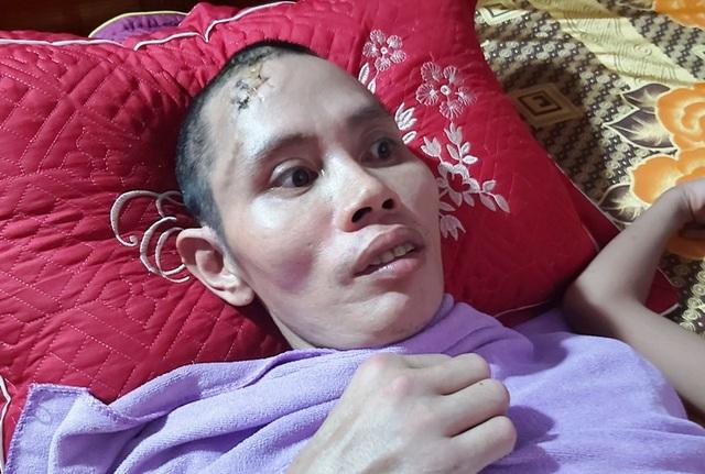 Xót thương người đàn ông từng bị lũ cuốn nhiều đêm khóc vật vã bên mộ con - 5