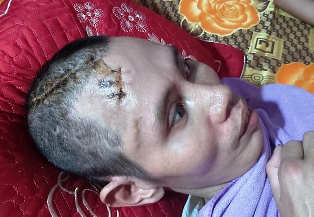 Xót thương người đàn ông từng bị lũ cuốn nhiều đêm khóc vật vã bên mộ con - 7