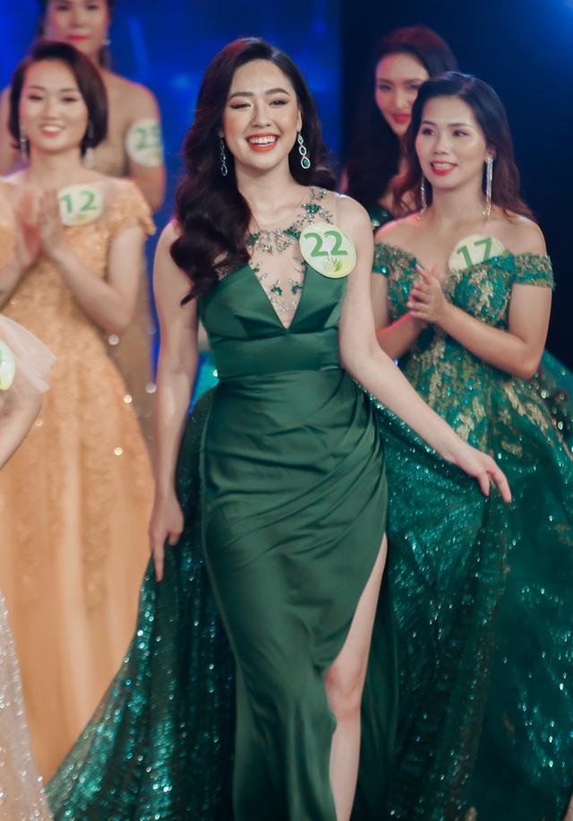 Phóng viên Dân trí đăng quang Á khôi 2 Press Green Beauty 2019 - 4