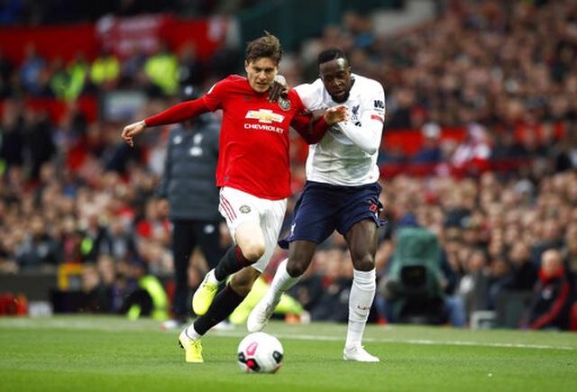Man Utd 1-1 Liverpool: Klopp vẫn chưa thắng ở Old Trafford - 9