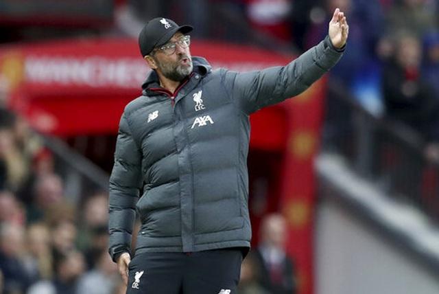Man Utd 1-1 Liverpool: Klopp vẫn chưa thắng ở Old Trafford - 14