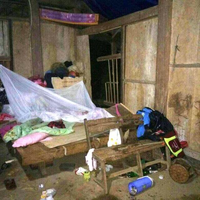 Sạt lở, đá đổ vào nhà dân trong đêm, một trẻ em thiệt mạng - 4