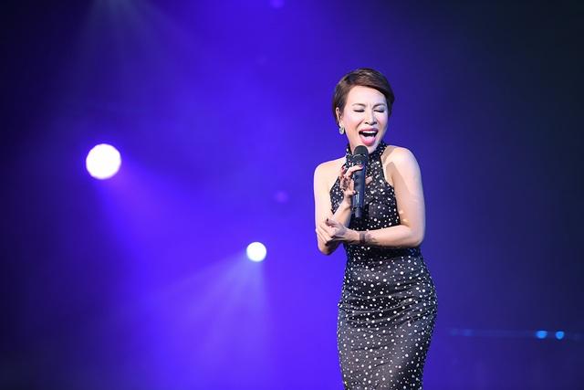 Hà Trần - Tùng Dương dừng hát giữa chừng vì không nhịn được cười - 4