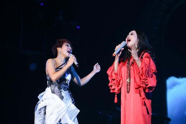 Hà Trần - Tùng Dương dừng hát giữa chừng vì không nhịn được cười - 12