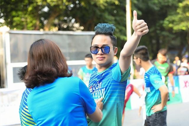 Tự Long, Thành Trung hào hứng thi chạy ở Hồ Gươm - 4