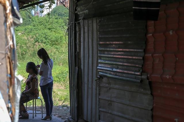Ngày 20/10 đặc biệt của những phụ nữ cửu vạn, nhặt ve chai ở Hà Nội - 1