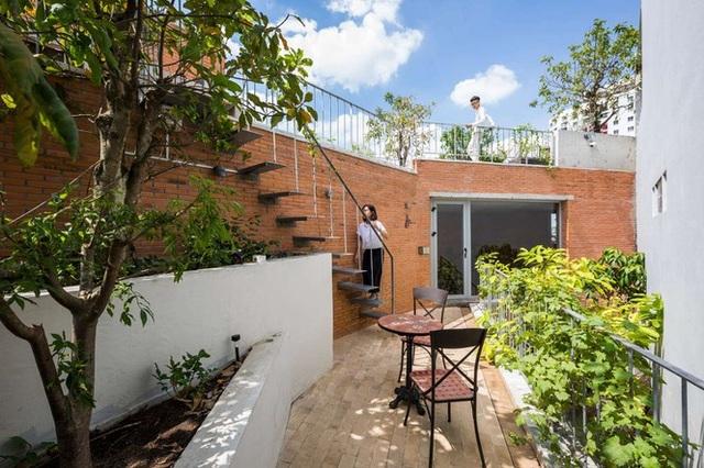 Nhà gạch nung rợp bóng cây xanh lọt đề cử kiến trúc đẹp nhất thế giới - 1
