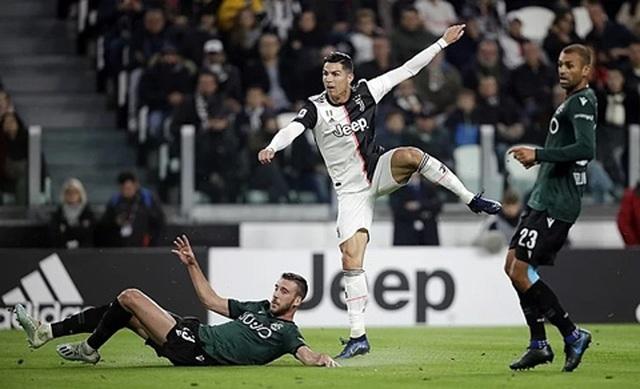 Ronaldo tiếp tục tỏa sáng, Juventus xây chắc ngôi đầu - 1