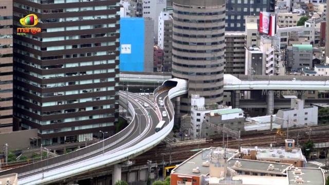 Độc lạ: Tuyến đường sắt, đường cao tốc chạy xuyên thủng qua tòa nhà - 5
