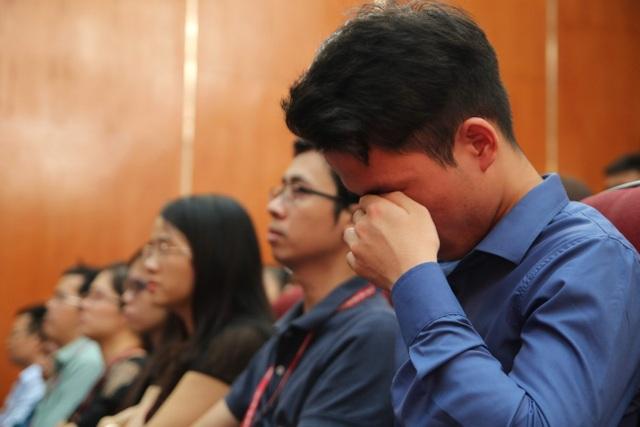 Giảng viên, sinh viên ĐH Mỏ - Địa chất khóc nghẹn trong lễ tưởng nhớ PGS.TS Lê Hải An - 2