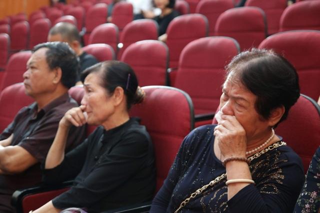 Giảng viên, sinh viên ĐH Mỏ - Địa chất khóc nghẹn trong lễ tưởng nhớ PGS.TS Lê Hải An - 3