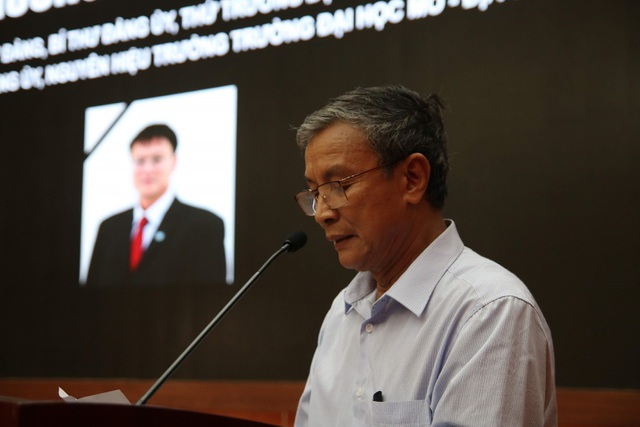 Giảng viên, sinh viên ĐH Mỏ - Địa chất khóc nghẹn trong lễ tưởng nhớ PGS.TS Lê Hải An - 9