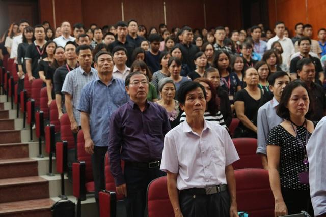 Giảng viên, sinh viên ĐH Mỏ - Địa chất khóc nghẹn trong lễ tưởng nhớ PGS.TS Lê Hải An - 11