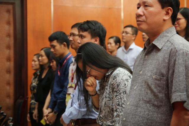 Giảng viên, sinh viên ĐH Mỏ - Địa chất khóc nghẹn trong lễ tưởng nhớ PGS.TS Lê Hải An - 12