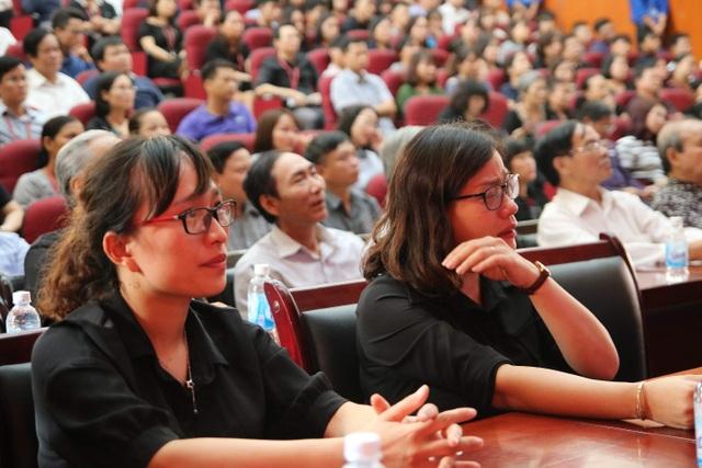 Giảng viên, sinh viên ĐH Mỏ - Địa chất khóc nghẹn trong lễ tưởng nhớ PGS.TS Lê Hải An - 13