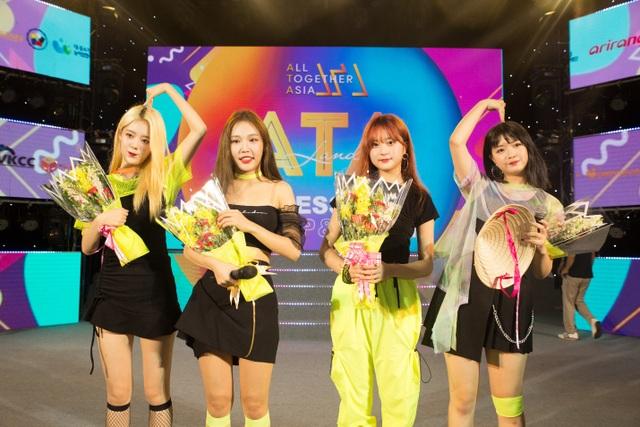 G-Reyish xuất hiện ấn tượng tại ngày hội All Together Asia - 6