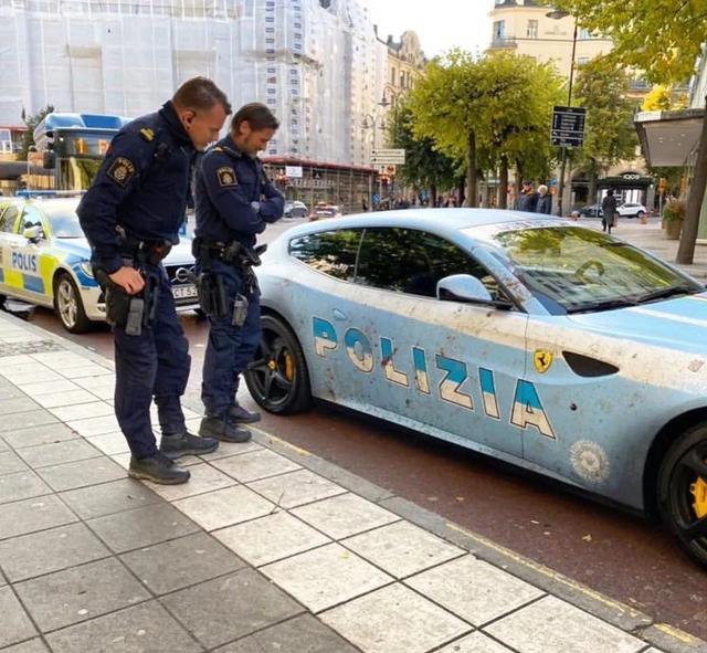 Bị cảnh sát hỏi thăm vì dán siêu xe Ferrari thành xe tuần tra - 5
