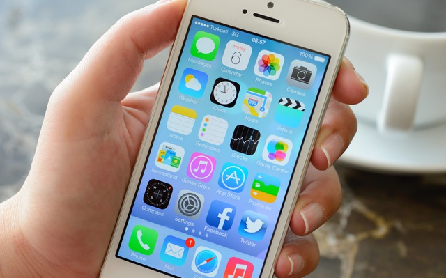 """iPhone, iPad nguy cơ biến thành """"cục gạch"""" vì một lỗi bất ngờ - 1"""