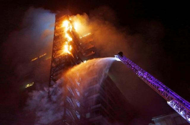 Chile chìm trong bạo lực, tổng thống ban bố tình trạng khẩn cấp - 13