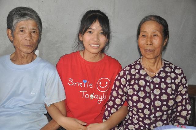 Những bàn tay nhân ái giúp cô bé mồ côi chiến thắng ung thư cất bước tới trường - 9