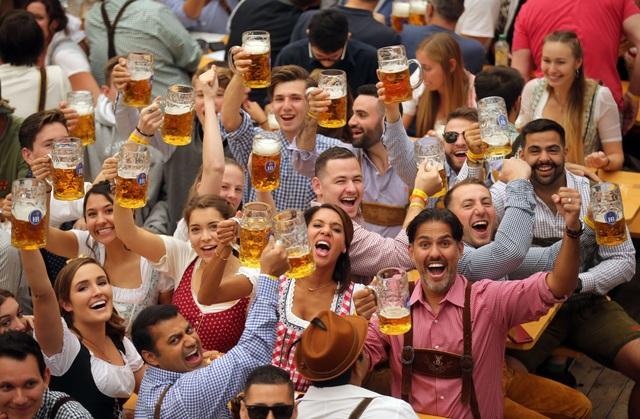 Tận hưởng lễ hội bia phong cách châu Âu ngay tại Sunshine City - 1