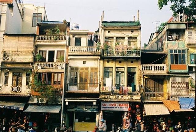 Nhà mặt phố Hoàn Kiếm 520 triệu đồng/m2, sẵn tiền không có mà mua - 1