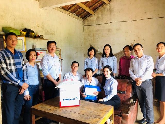 Eximbank mang yêu thương đến với người nghèo tại tỉnh Quảng Ninh - 2