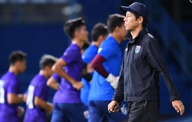 Chỉ trích Bùi Tiến Dũng, HLV Akira Nishino muốn đẩy áp lực sang đội tuyển Việt Nam - 2
