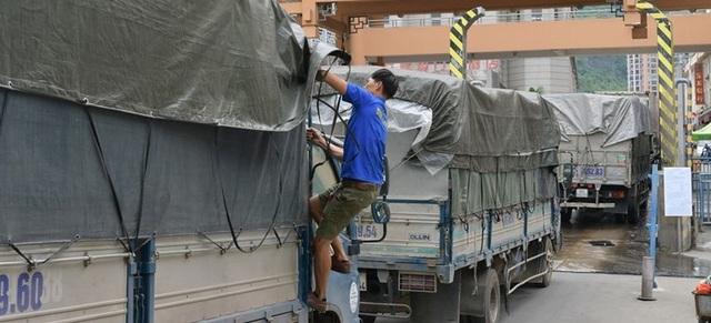 Bộ Công Thương: Doanh nghiệp nên hạn chế đưa hàng hóa lên biên giới - 1