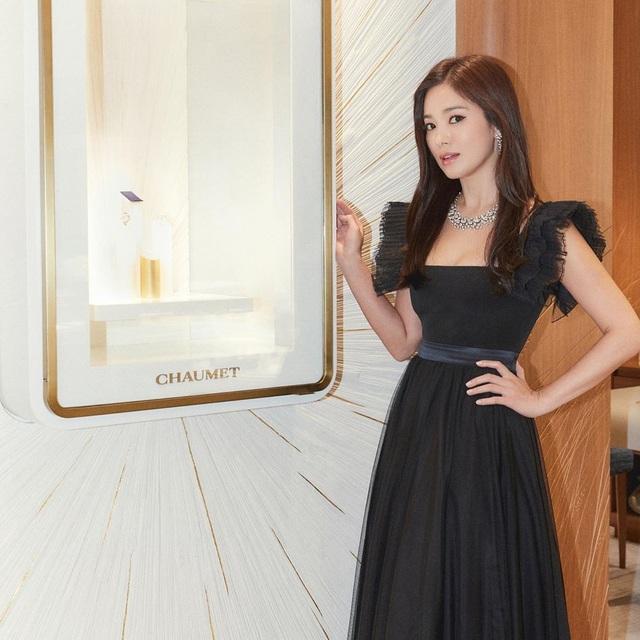 """Cận cảnh gương mặt """"mộc"""" đẹp nhất xứ Hàn của Song Hye Kyo - 4"""
