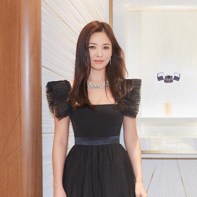 """Cận cảnh gương mặt """"mộc"""" đẹp nhất xứ Hàn của Song Hye Kyo - 3"""