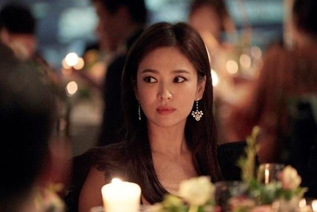 """Cận cảnh gương mặt """"mộc"""" đẹp nhất xứ Hàn của Song Hye Kyo - 8"""