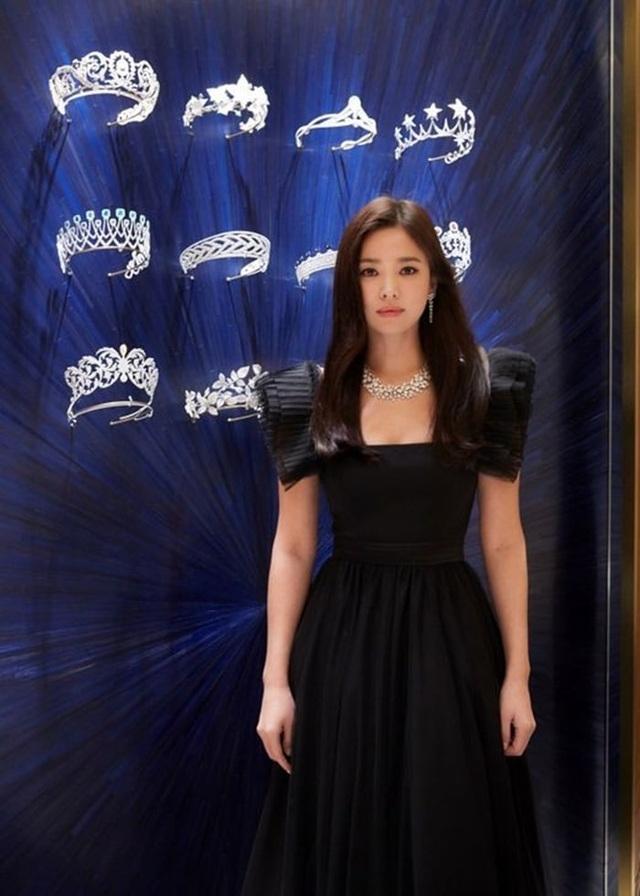"""Cận cảnh gương mặt """"mộc"""" đẹp nhất xứ Hàn của Song Hye Kyo - 5"""