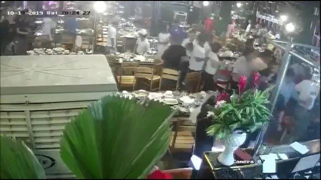Công an vừa tìm ra nhóm người đập phá nhà hàng tại Đà Nẵng - 1