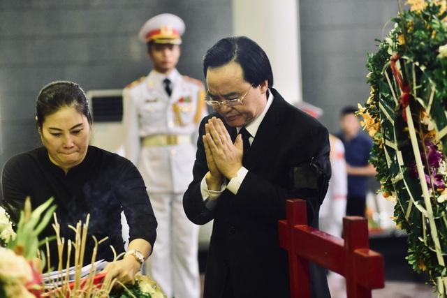 Hàng nghìn người thương tiếc đưa tiễn Thứ trưởng Lê Hải An về nơi an nghỉ cuối cùng - 18