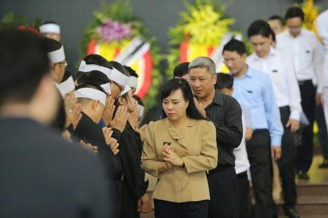 Hàng nghìn người thương tiếc đưa tiễn Thứ trưởng Lê Hải An về nơi an nghỉ cuối cùng - 17