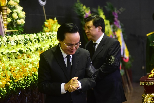 Hàng nghìn người thương tiếc đưa tiễn Thứ trưởng Lê Hải An về nơi an nghỉ cuối cùng - 19