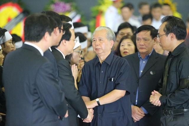 Hàng nghìn người thương tiếc đưa tiễn Thứ trưởng Lê Hải An về nơi an nghỉ cuối cùng - 24