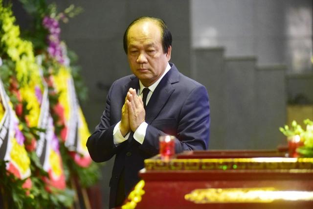 Hàng nghìn người thương tiếc đưa tiễn Thứ trưởng Lê Hải An về nơi an nghỉ cuối cùng - 12