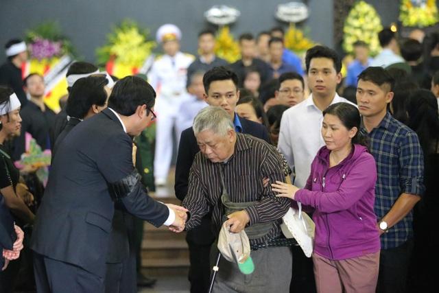 Hàng nghìn người thương tiếc đưa tiễn Thứ trưởng Lê Hải An về nơi an nghỉ cuối cùng - 28
