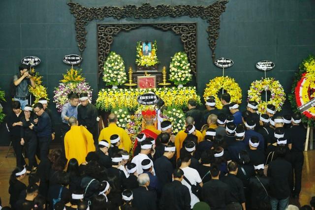Hàng nghìn người thương tiếc đưa tiễn Thứ trưởng Lê Hải An về nơi an nghỉ cuối cùng - 9